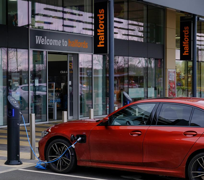 Electric vehicle oustide store
